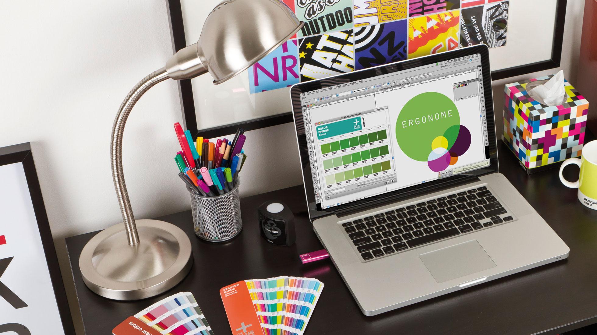 Resultado de imagen para diseñadores graficos trabajando